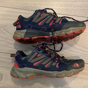 North face hiking shoes gortex